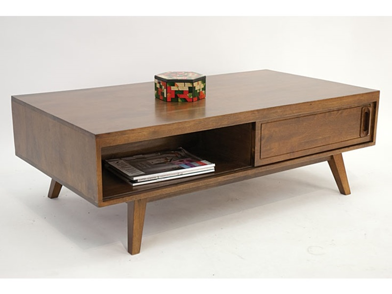 Table basse en hva massif vintage de qualit meuble pour for Table basse scandinave salon