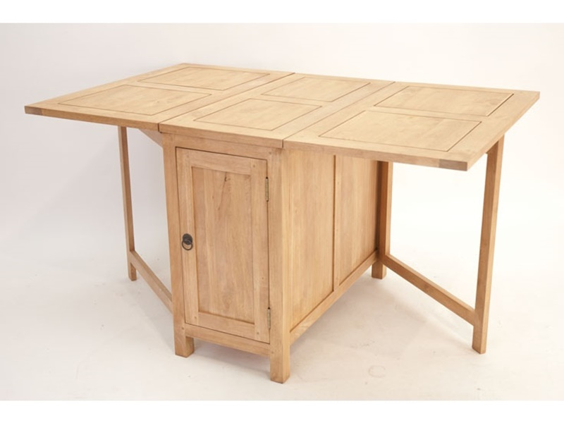 Table pliante ranong en hva massif meuble en bois massif for Meuble table pliante